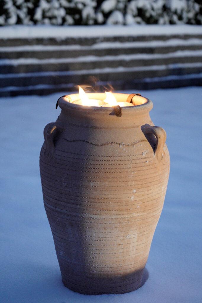 Exklusiv urna i köldtålig terrakotta