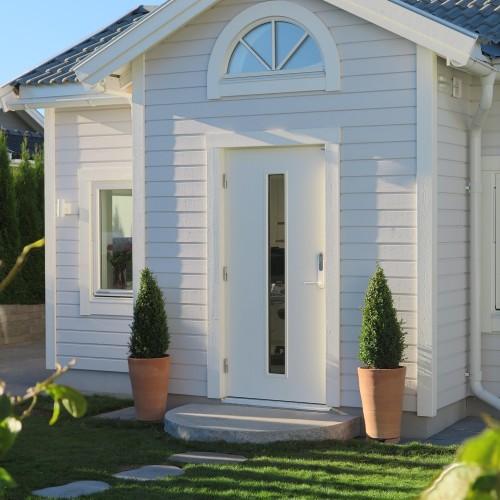 Stora och gärna höga krukor vid entré ger ett välkomnande och propert intryck.